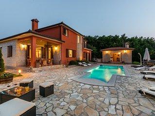 Luxuriöse Villa nur minuten vom Strand
