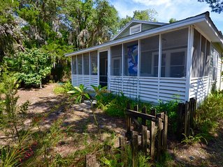 Cedar Cottage - Historic Charm in Cedar Key