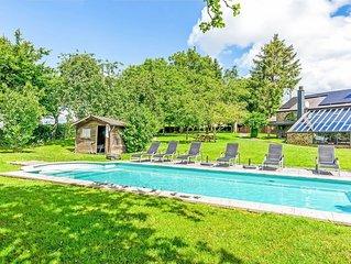 Plush Villa in La Roche-en-Ardenne with Swimming Pool