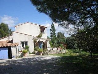 Villa provençale,avec piscine à Rognes, près d'aix en Provence et du Luberon