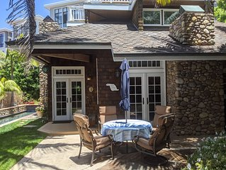Charming Beach Cottage, Sleeps 8, Heated Pool, Private yard, 200 ft to sand