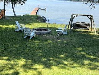 Charming Lake Leelanau Cottage