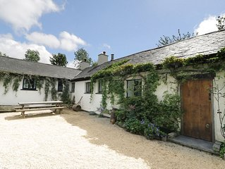 Welsh Long Cottage with views of Snowdonia