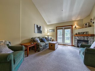 Cozy and Spacious Condo Walking Distance to Lifts and Village