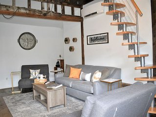 Carriage House * ṭḨḛ ḦḯṼḗ | Starland District , Pets Welcome