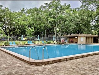 La Villa Piscina by Dangela's LLC ,7 miles 2 Honeymoon Beach-Christian Host 20%
