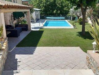 Malaucene,Villa climatisee avec piscine privee et chauffee, (internet Wifi