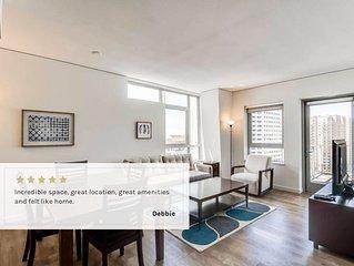 2B/2BA Modern Beach Apartment | Rooftop Pool, Sweeping Beach & City Views, Balco