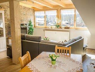 Gemütliche Ferienwohnung Bergpanorama mit Balkon, Bergblick und WLAN; Parkplätze