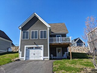 Weirs Beach, Lake Winnipesaukee access home, 3 bedrooms and 2 bathrooms!