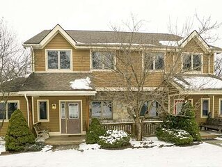 Ski Area Townhouse w/Hot Tub, Pool Table, & Summer State Park Access!