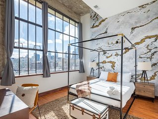 Sosuite | Modern Penthouse Retreat - 2Bed 2Bath + Discounted Parking