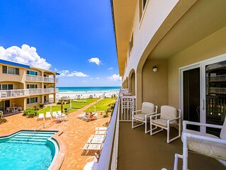 A212 Perfect 2/2 ondo! Fantastic beachfront location just off Flagler Ave!