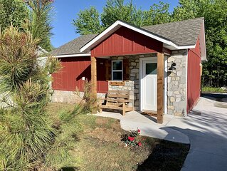 Carey Bay Cottages -  Brand New Luxury Cottages on Grand Lake (Cottage B)