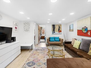 Off Bedford L Williamsburg huge best location 2Br room to breathe & relax