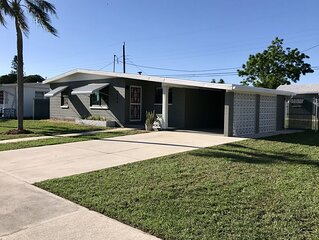 20% off SPECIAL! Newly renovated. Close to beach, dog friendly, fenced yard.