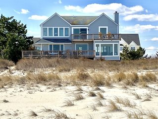 Safe for children! On the Beach! Spacious beachfront views. Linens/Towels inc.