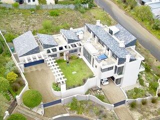 'House Vos' Modern home in Hermanus Heights