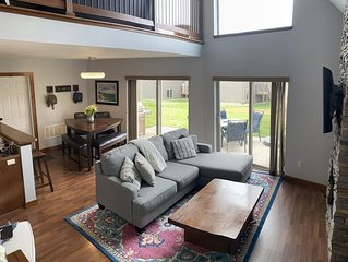 WINTER SPECIAL! View, & fireplace! Perfect Family Getaway! Bridges Bay Cabin