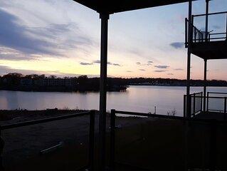 REDUCED Fall Rates: Okoboji 4 Bdrm BridgesBay Lakefront Condo & Waterpark Passes