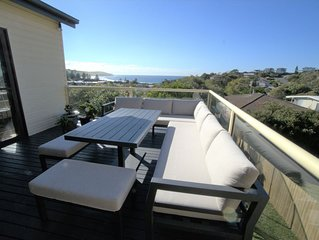 Sea La Vie Beach House - Ocean views, walking distance to Werri Beach & shops