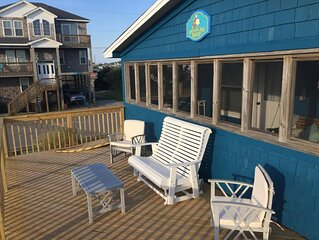 Christmas at the beach!  Semi oceanfront seaside cottage, Dog friendly
