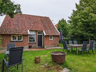 Quaint Farmhouse in Enschede with Terrace