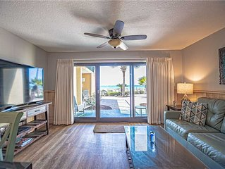 110- GORGEOUS and freshly renovated with amazing gulf views! Destin Beach Club