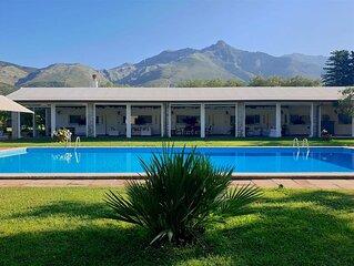 IL QUADRIFOGLIO Villetta con piscina a Formia