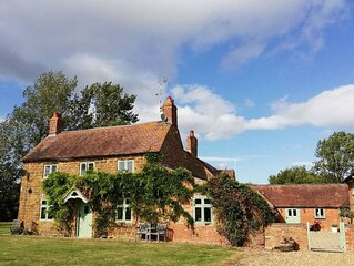 King size bed, Bathroom, Kitchen: 'The Idyllic Country Suite'  Lower Fields Farm