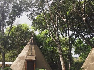 Tipi 2 Deer - Glamping on the Guadalupe River!