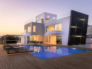 Luxury Seaview Villa on 3 Levels with Elevator, A/C, Private Pool & Roof Top Ter
