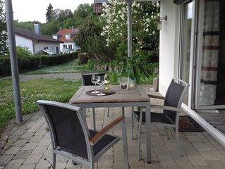 Charmante Ferienwohnung am Weinbergweg mit Terrasse, Garten und WLAN; Parkplätze