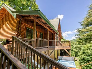 Private Log Cabin with Hot Tub, Fireplace, Walk to Watauga River, Close to Hikin