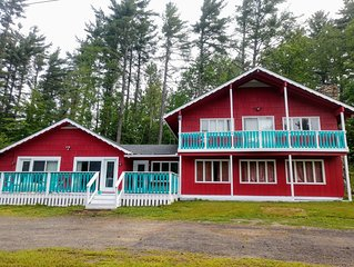 Holiday at Historic Chalet 4 bedrooms/3 baths,  minutes from Jay Peak