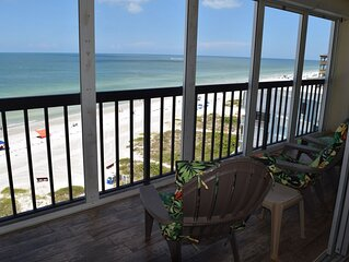 Beach Front Condo, Beautiful Sunsets, Remote Work Ready, Spacious Balcony