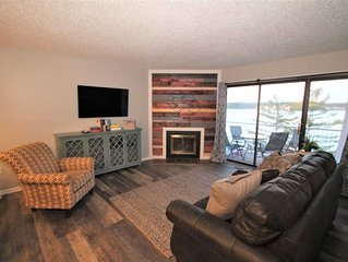 Lakefront  One Bedroom Condo with updates & new furnishings! Minimal Steps from
