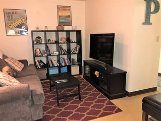 2Bedroom 2Bathroom Apt | Downtown | Walk Anywhere!