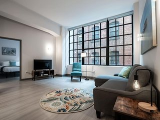 Beautiful Condo - Heart of Business District # 402