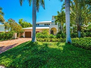 In Town Boca Grande - Grande Palm Pool Home and Dock