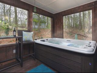 Cabin On The Mount, Masthope, PA, Hot Tub, River, Lake, skiing