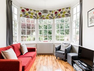 Elegant City Centre Apartment,  stunning views of York Minster + Free Parking!