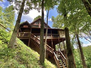 New listing luxury lodge with serene River Views <5 mi 2 Blue Ridge