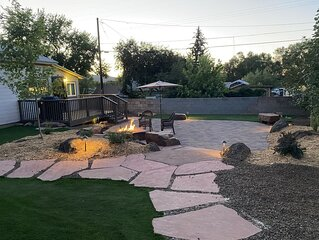 Gorgeous Remodeled Home • Spectacular Yard•Fire Pit•Walking Distance to Downtown