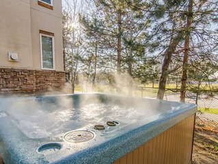 Ski Home! Private Hot Tub * 4 Resorts Nearby * Foosball * BBQ