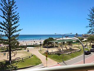 Kingston Court Unit 11 Right on the beach in Rainbow Bay Coolangatta