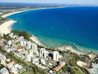 Maybury Unit 3 only a 70 Metre walk to Rainbow Bay beach Coolangatta FREE Unlimi