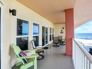 Gulf View Condo in Mexico Beach Across from Toucan's Restaurant, Pool & Exercis