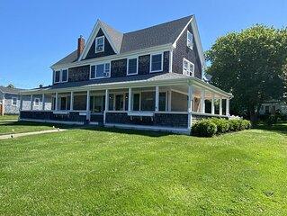 Large Updated Home, Walk To Beach, 6BR, 4BA Sleeps 13+