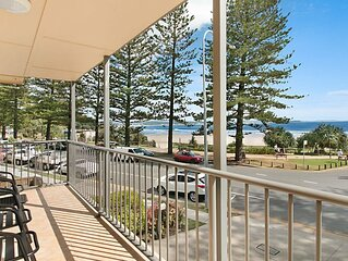Pacific View Unit 3 Balcony with ocean views on the Beachfront in Rainbow Bay Co
